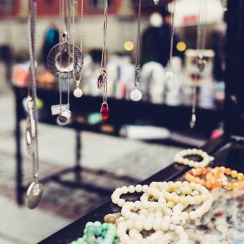 obeski, ogrlice